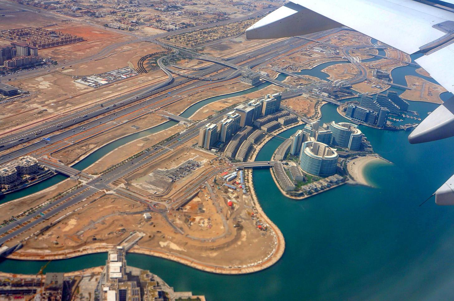 vliegen naar Abu Dhabi